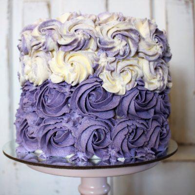 Lila Röschen Torte