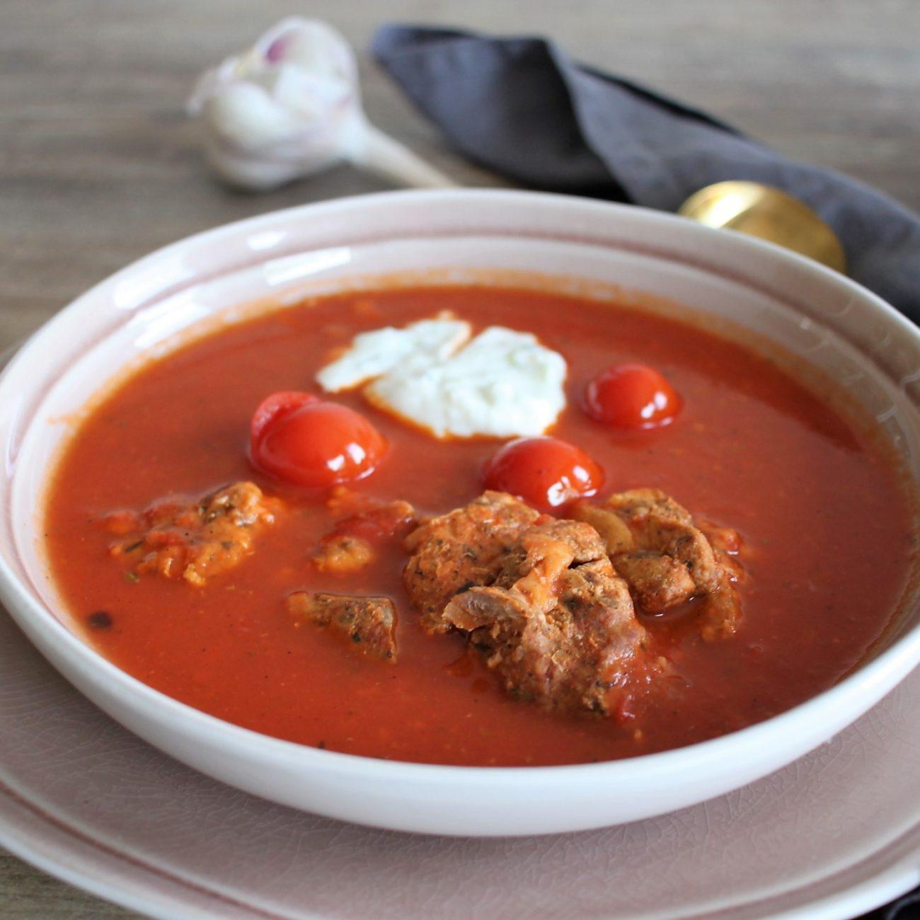 Tomatensuppe mit Gyros | Kalorienarm und Low Carb
