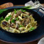 Käse-Spätzle mit Austernpilzen und Champignons | Veggie