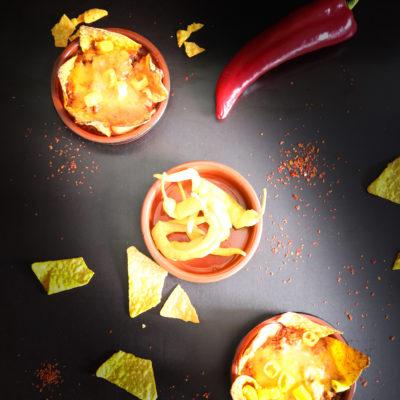 Tortillas mit überbackenen, scharfen Hackfleisch