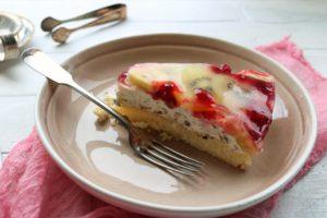 schnelle Stracciatella-Obst-Torte
